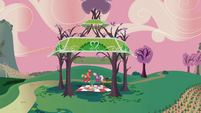 Big Mac Cheerilee gazebo farway shot S2E17