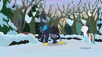 Discord skulking around the snow MLPBGE