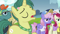 "Reporter Pony ""if she'd stayed in Canterlot"" S7E14.png"