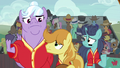 Braeburn and his team looking confused S6E18.png