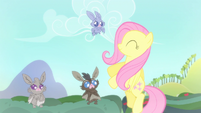 Fluttershy smiling at the bats S4E7