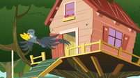 Gabby takes off from the clubhouse door S6E19