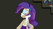 Rarity showing her band outfit EG2