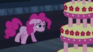 S02E24 Pinkie pilnuje tortu 5