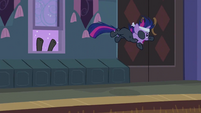 Twilight thrown off S2E20