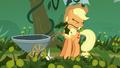 Applejack pulling weeds S5E16.png