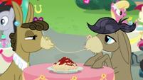Cranky Doodle and Matilda sharing spaghetti S8E10