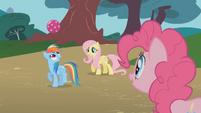 Pinkie Pie watching Rainbow Dash S1E07