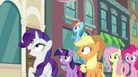 Rarity gasps excitedly S6E9