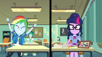 Split screen of Twilight and Rainbow Dash EGDS22