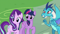 Starlight, Twilight, and Ember see Spike coming S7E15
