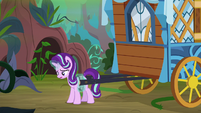 Starlight hooks herself up to Hoo'Far's wagon S8E19
