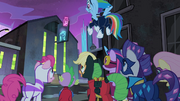 The Power Ponies looking at the shampoo factory S4E06