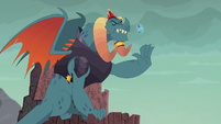 Torch commands the dragons to stop through gesture S6E5
