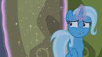 Trixie gently closing the Castle of Friendship door S6E25