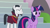 Twilight and Neighsay see students in a panic S8E1