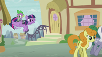 Twilight and Spike return to Ponyville S5E25