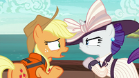 Applejack tries to apologize to Rarity S6E22