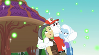 Bulk Biceps hugging Trixie and Sandalwood EG4