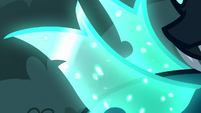 Close-up on Thorax's crystally wings S6E25