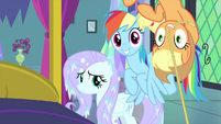 Fluttershy, RD, and AJ happy Twilight is better MLPS2