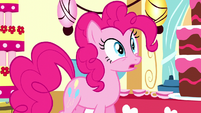 Pinkie appears in dream Sugarcube Corner S5E13