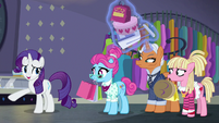 Rarity tells her assistants to go on ahead S8E4