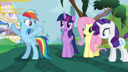 S04E01 Twilight podoba się pomysł Rainbow