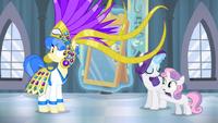 S04E19 Sweetie prosi Sapphire, by spojrzała w lustro