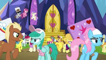 S07E14 Kucyki kłócą się przez zamkiem Twilight