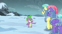 Spike commands group of guards to search east S6E16