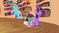 Spike talking with Rainbow S2E20