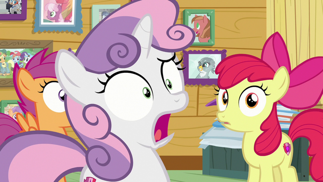 File:Sweetie Belle shocked to see Rarity S7E6.png