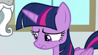 Twilight lowers her head in disappointment S8E16