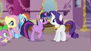 Twilight worried about Pinkie Pie S03E13