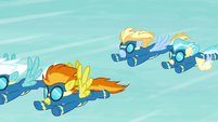 Wonderbolts returning to the ground S6E7