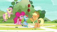 Applejack tells Snails to catch S6E18