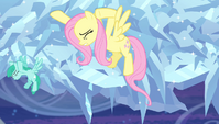 Fluttershy trying to slow the cloud down S4E24