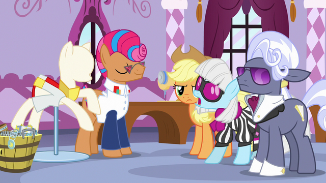 """File:Photo Finish """"a good start, but it needs more"""" S7E9.png"""