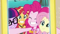 Photo of the girls on Pinkie's phone EGDS17