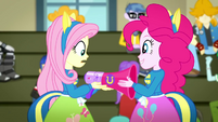 Pinkie Pie gives Fluttershy her megaphone SS4