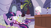 Pinkie Pie in the tub S2E23