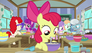 S06E04 Apple Bloom rozrabia ciasto