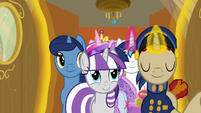 Sparkle family enters their zeppelin cabin S7E22