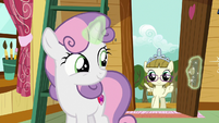 Sweetie Belle opens door for Zipporwhill S7E6