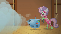 Sweetie Belle turning on fog machine S1E18