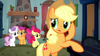 Applejack wondering about the Crusaders S5E6