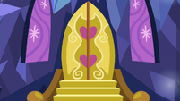 Close-up on Castle of Friendship's front door S7E4