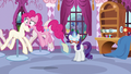 """Pinkie """"I think I'm gonna lose my cupcakes!"""" S5E14.png"""