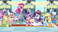 Pinkie Pie -best coronation day ever!- S03E13